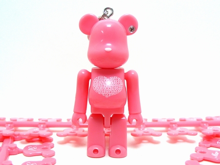 BE@RBRICK Birthday Happy INTERNATIONAL LOVE HEART PINK 70%